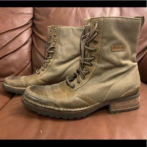 RJ COLT Lace Up Boots.